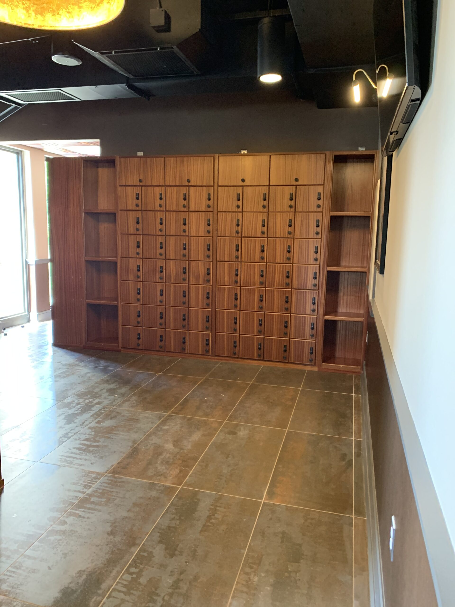 The Cigar Republic – Conshohocken – Cigar Lockers w/ Custom Shelving Built In