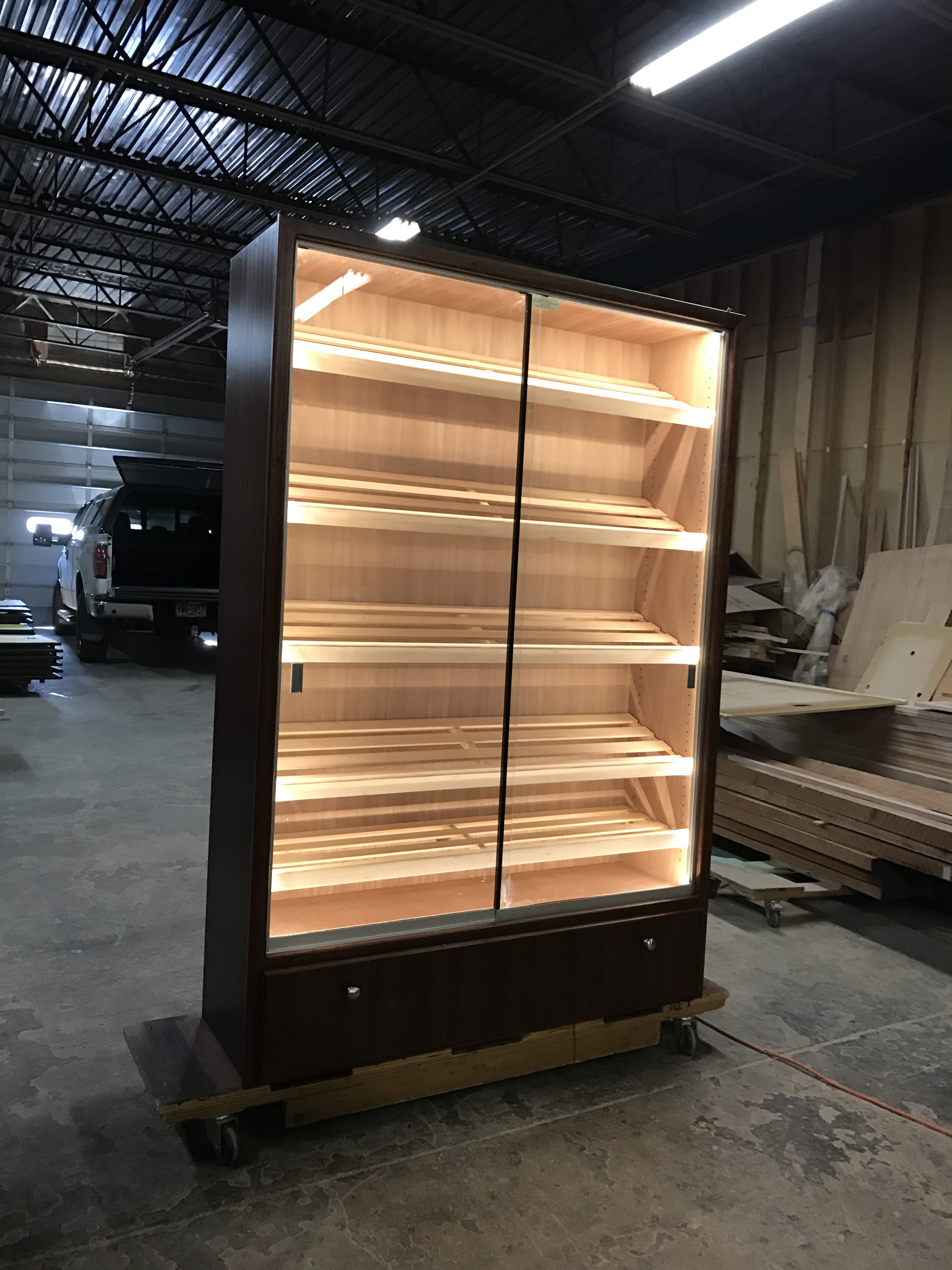 H-616 Humidor w/ LED String Lighting