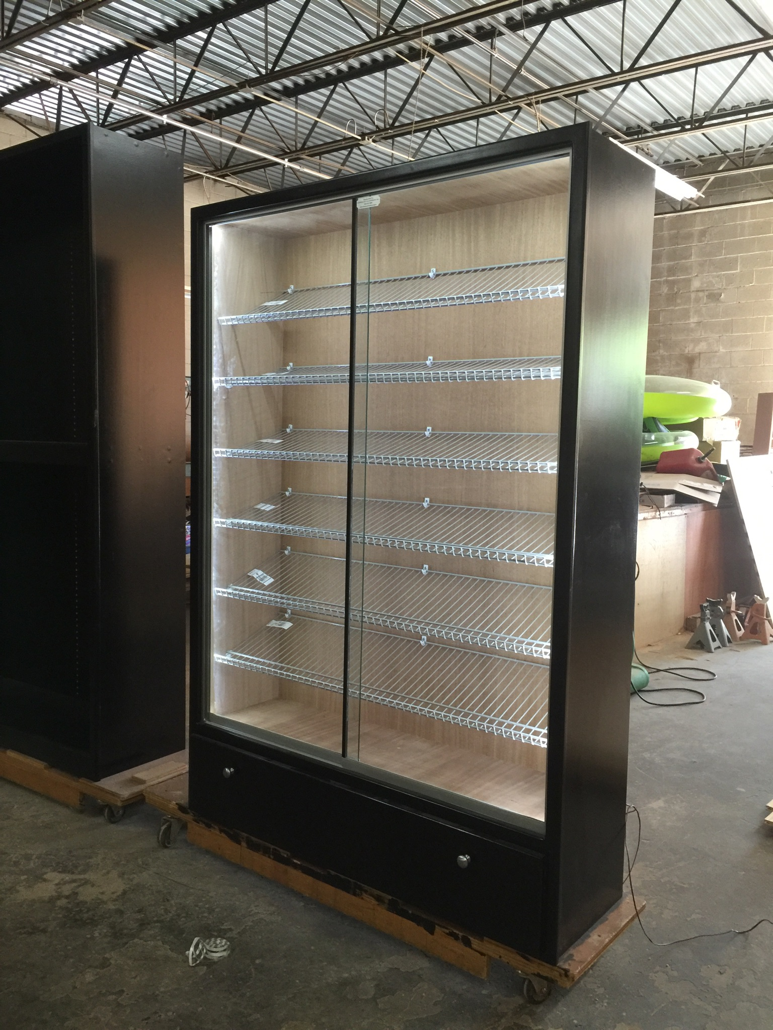 Black H-616 w/ Gray Linen Racks & LED String Lights