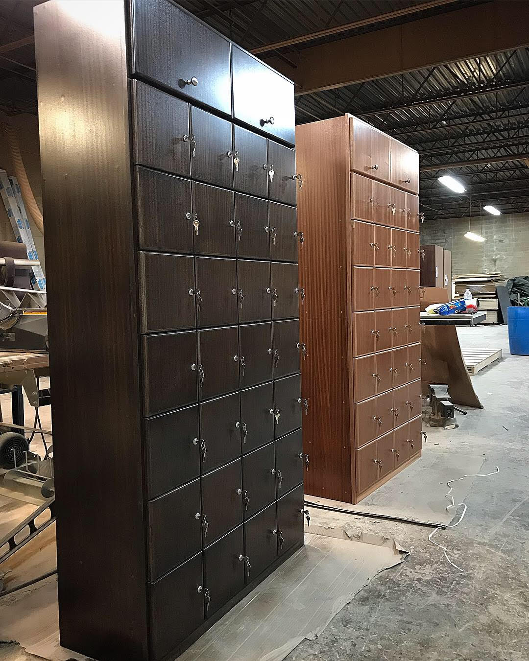 Ebony & Clear Coat Mahogany Cigar Lockers