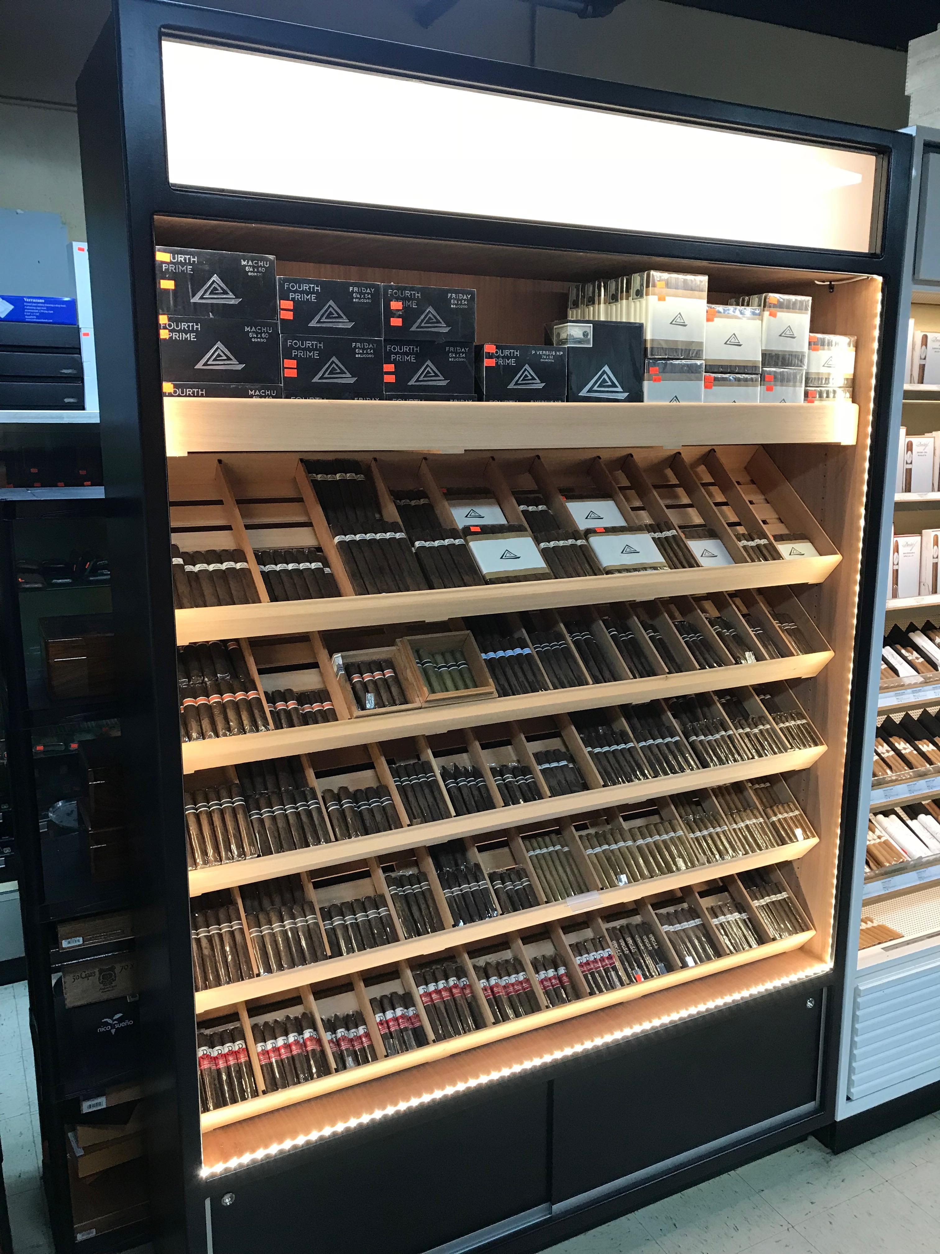 Event Humidor with Light Box