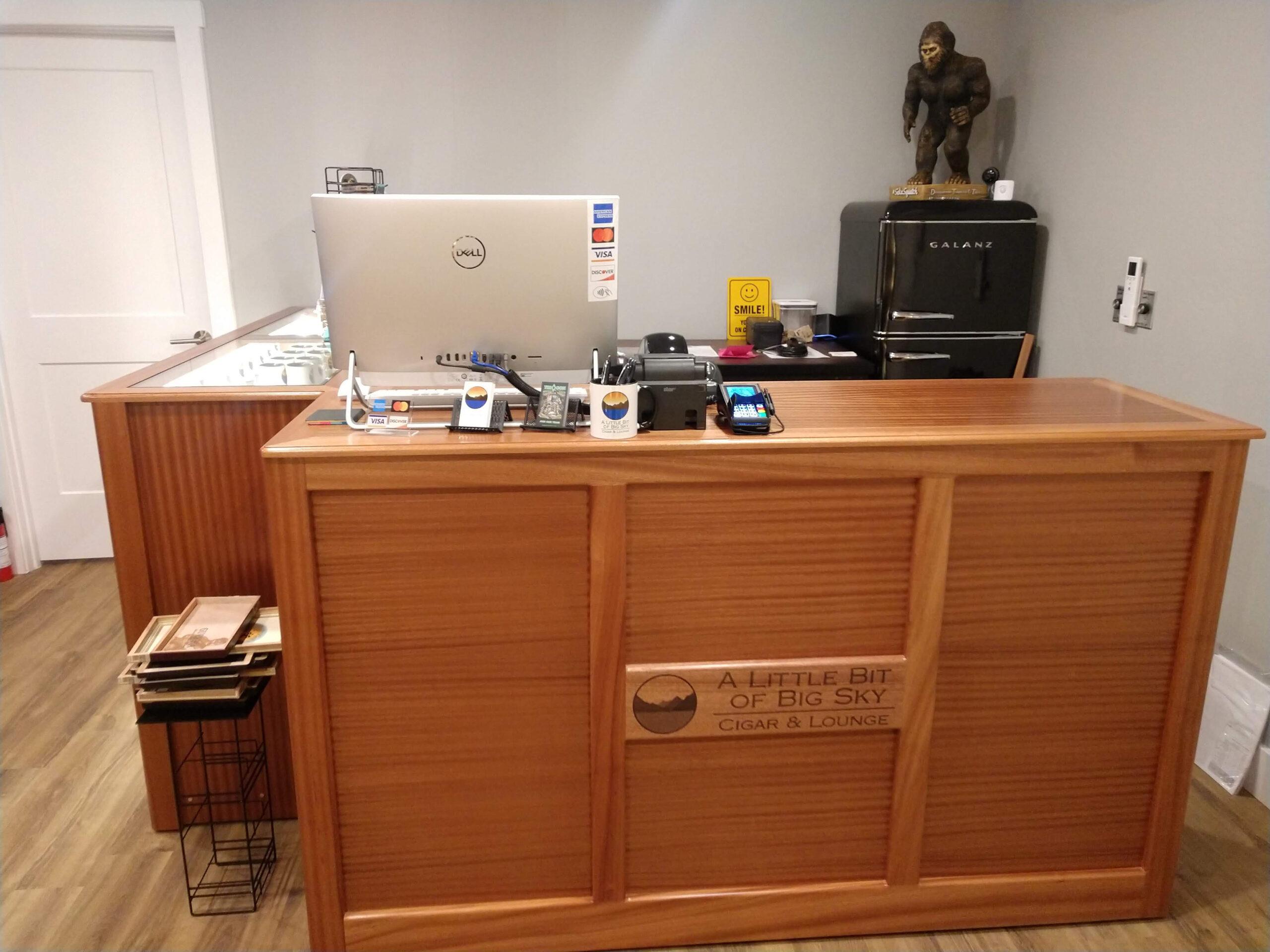 A Little Bit of Big Sky Cigar & Lounge – Kalispell, MT – Custom Counters